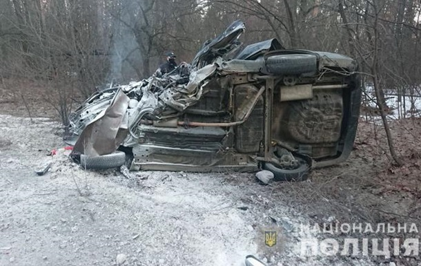 В Киеве столкнулись два авто, есть жертвы