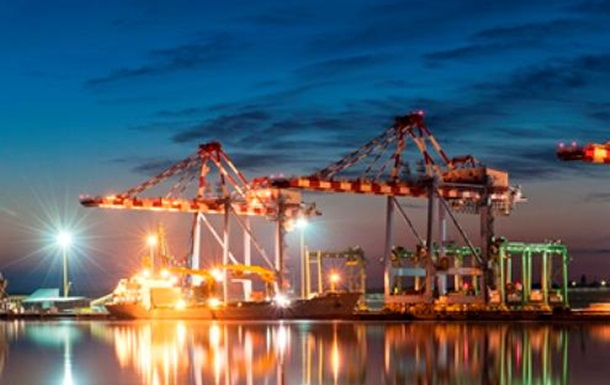 Правительство планирует снизить портовые сборы