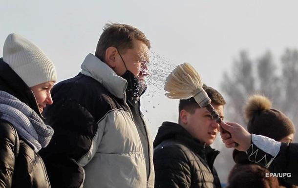 Постійно носять труни: в Євпаторії жителі залишають домівки