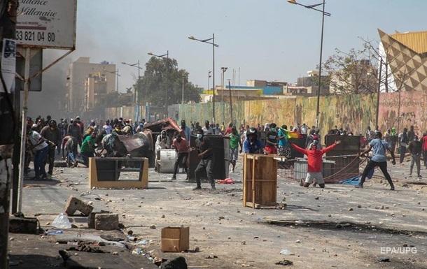 У Сенегалі під час заворушень загинули семеро людей