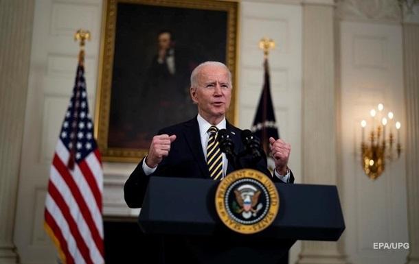 Дві третини американців схвалюють дії Байдена в боротьбі з пандемією