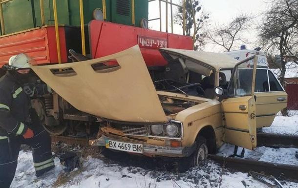 У Вінниці поїзд протаранив автомобіль
