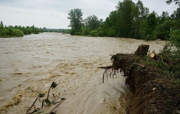 На заході України очікується підйом рівня води через відлигу