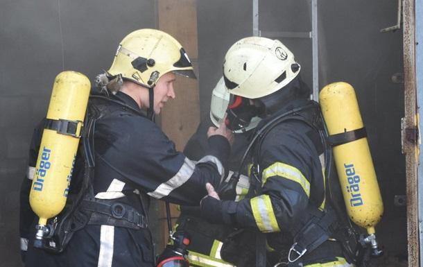 В Одессе подожгли двери Пенсионного фонда
