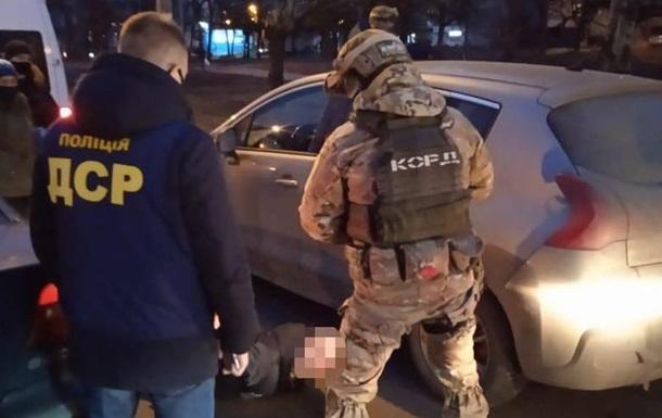 У Харківській області затримали угруповання здирників