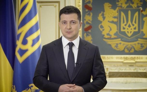 Зеленский на 8 марта наградил сотню женщин орденами и медалями