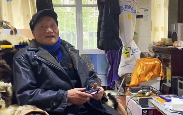 Пожилой китайский геймер прошел более 300 видеоигр