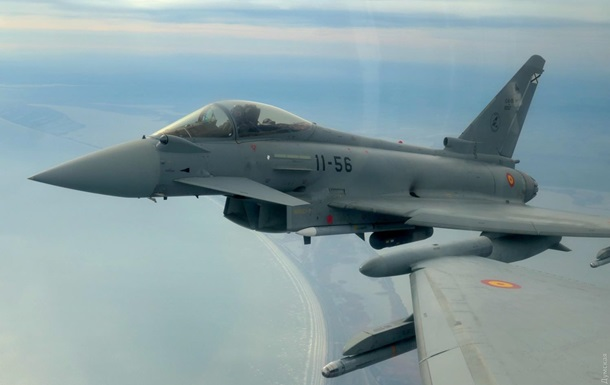 Авиация НАТО провела учения в Черном море