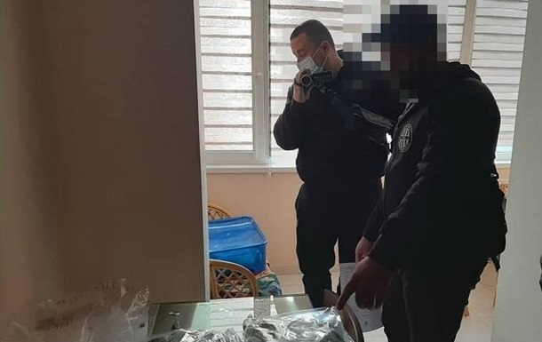 В Киеве задержали группу наркодельцов