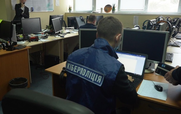 Кіберполіція повідомила про затримання кураторів  груп смерті