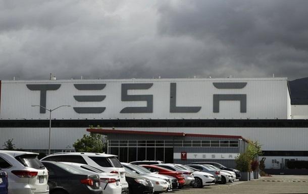 У США загорівся завод Tesla