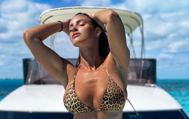 Словацька фітнес-модель схвилювала пляжними фото