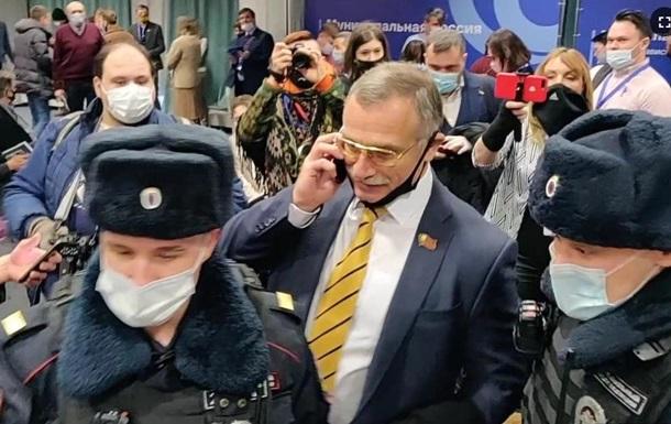 В Москве полиция задержала полторы сотни муниципальных депутатов