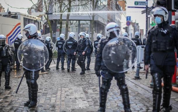 У Бельгії протест розганяли водометами і газом