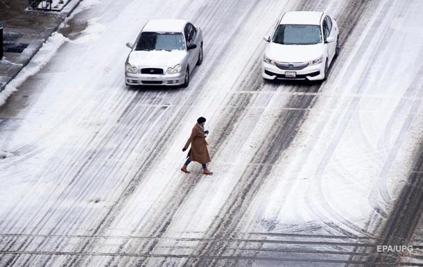 Центральну частину США накрив сніжний шторм