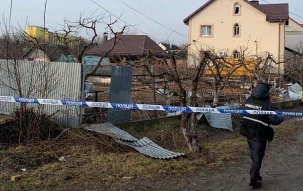 Под Киевом прогремел взрыв: повреждены несколько машин и домов
