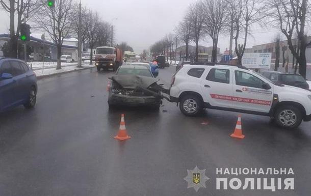 У Тернополі в аварію потрапив автомобіль з COVID-вакциною
