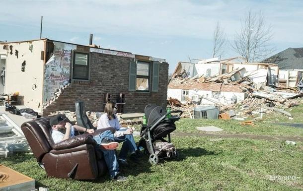Торнадо повредили сотни домов в США