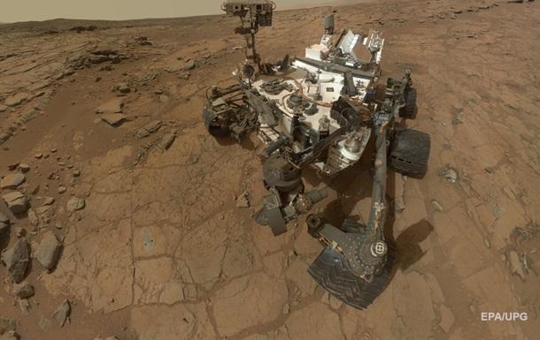 Ровер запечатлел 'пылевого дьявола' на Марсе