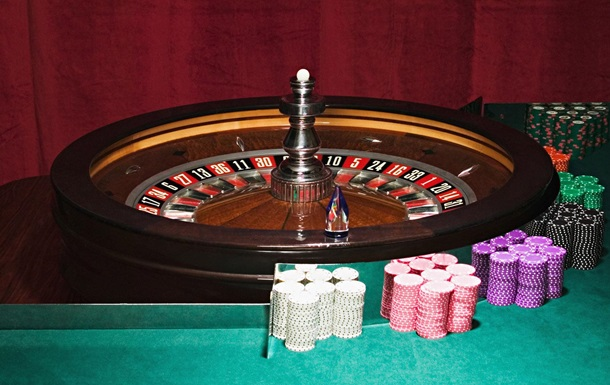 Play free spin roulette from Star Gambling with track