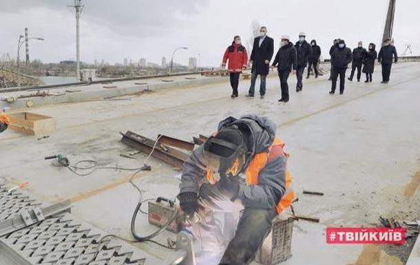 Кличко показал, как идет строительство Подольско-Воскресенского моста
