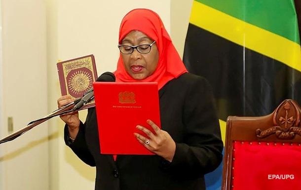 Жінка вперше в історії стала президентом Танзанії