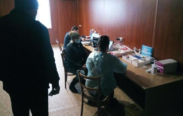 На КПВВ Станиця Луганська почали безкоштовно робити тести на COVID-19