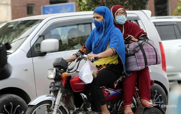 Пакистан заборонив в їзд в країну громадянам з 12 країн