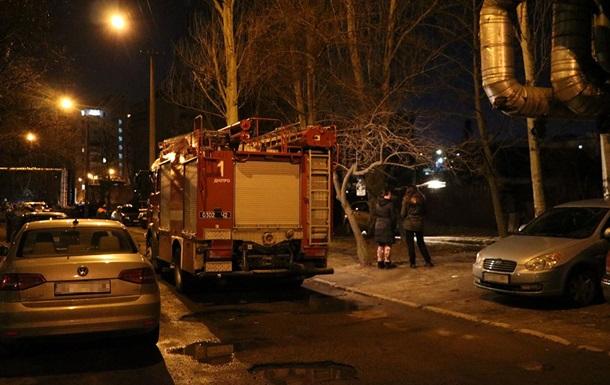 В Днепре при пожаре в заброшенном доме погибли люди