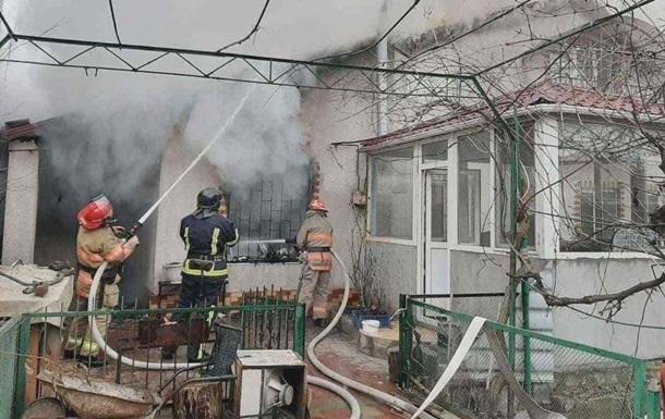 В Одессе во время тушения пожара умер спасатель