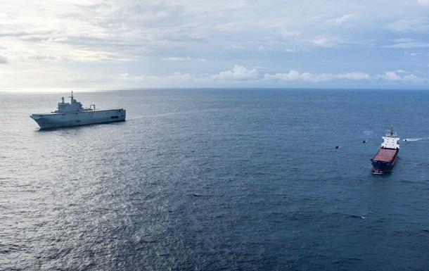 В Гвинейском заливе перехвачено судно с тоннами кокаина на борту