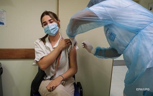 В Слуге народа предложили увольнять медиков, отказавшихся вакцинироваться