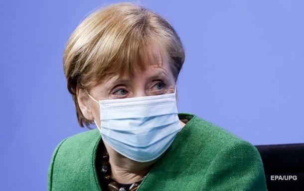 Меркель відмовилася від великоднього карантину після скандалу