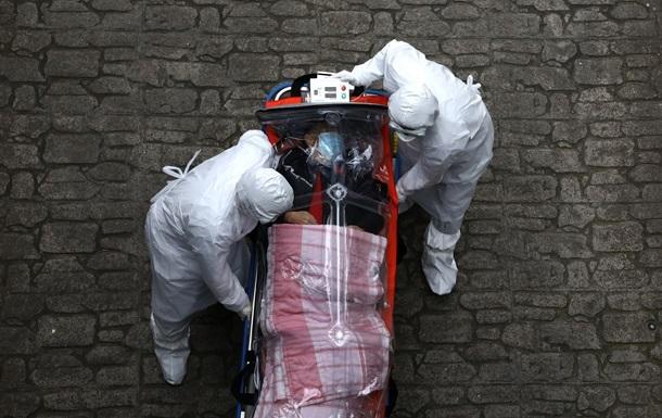У США з початку пандемії понад 30 млн осіб заразилися COVID