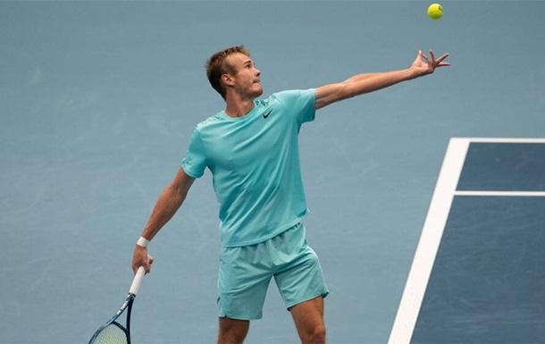 Стаховский проиграл молодому соотечественнику на турнире в Швейцарии