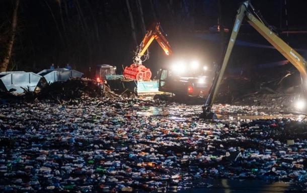 Венгрия заявила, что Украина загрязняет Тису мусором