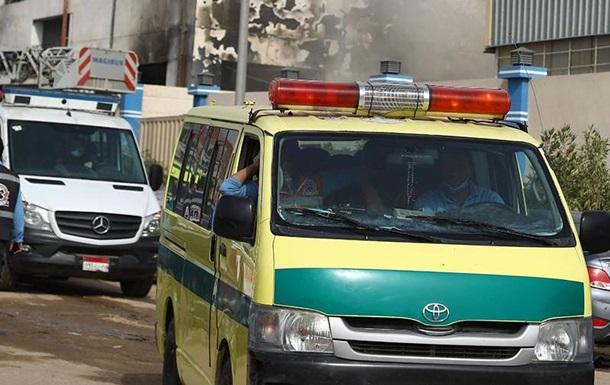 В Каире рухнуло многоэтажное здание, есть жертвы