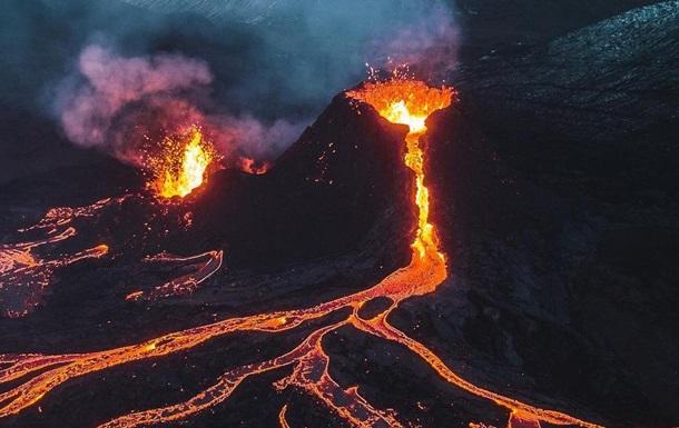 Фотограф спалив дрон заради вулкана, який вивергається