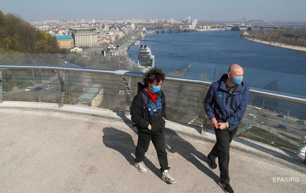 COVID в Украине: больных втрое больше излечившихся
