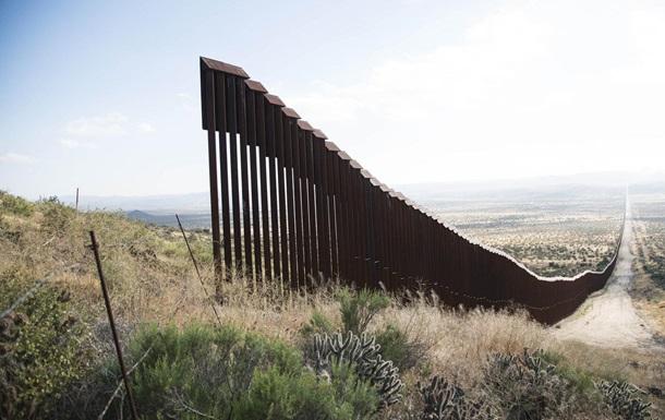 Безумство та катастрофа на кордонах США. Злочини та зрада Байдена-Харріс