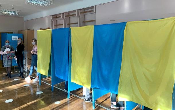 На Прикарпатті перерахують голоси на чотирьох виборчих дільницях