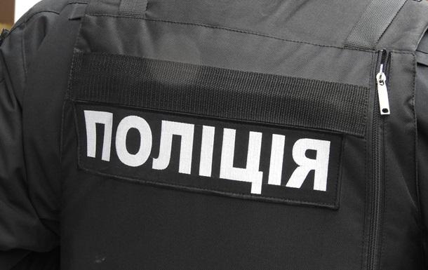 Заспокоїти  дітей: у Тернополі чоловік відкрив стрілянину на дитячому майданчику