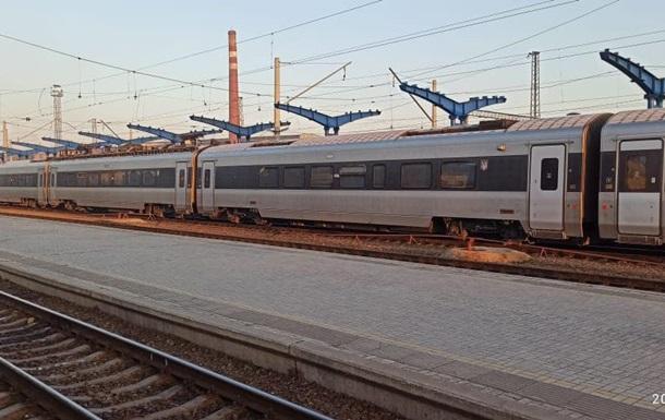 Крадіжка кабелю на станції Дарниця спричинила затримку потягів
