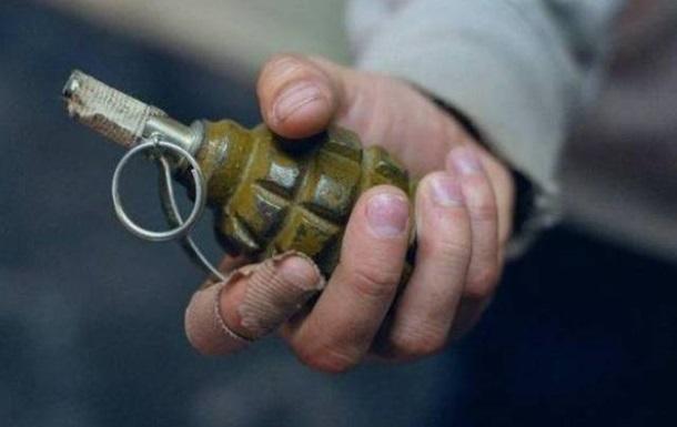 У Луганській області чоловік кинув гранату в поліцейських
