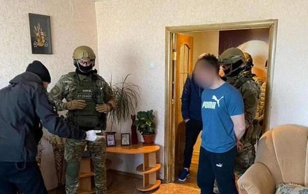 Чоловіка, який кинув у поліцейських гранату на Луганщині, затримав спецназ