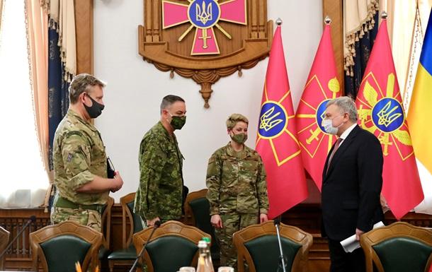 Военные атташе трех стран встретились с руководством Минобороны
