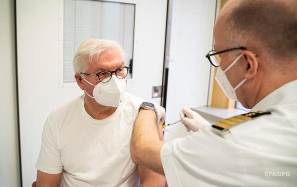 У Німеччині людей до 60 років просять відмовитися від другої дози AstraZeneca