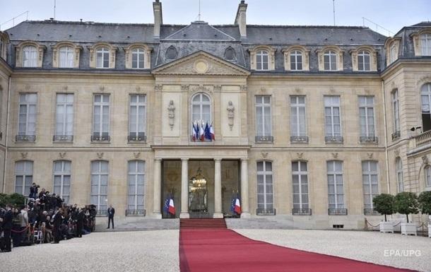 У Парижі чоловік намагався пробратися в Єлисейський палац з палаючою пляшкою