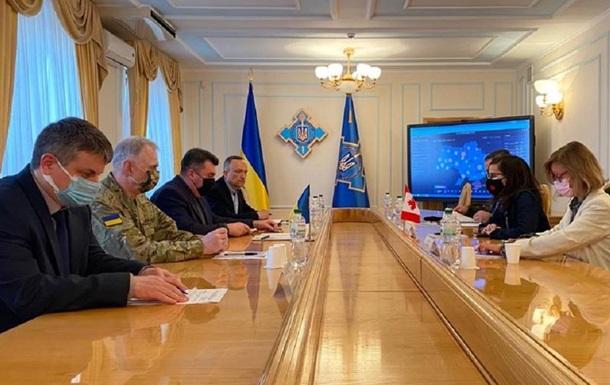 Стягування військ РФ до кордонів України: РНБО розробляє різні сценарії
