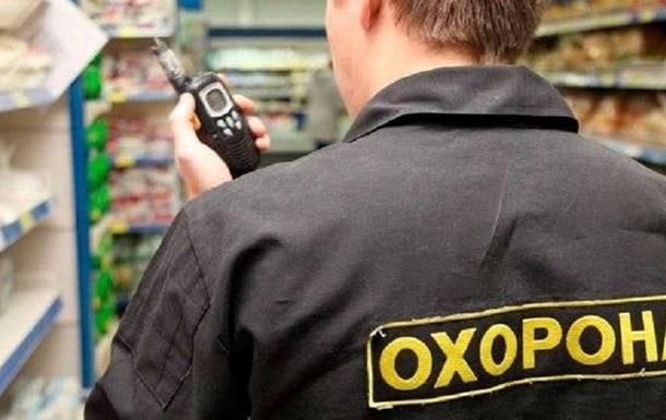 В Киеве мужчина стрелял в охранника ТРЦ из-за замечания об отсутствии маски